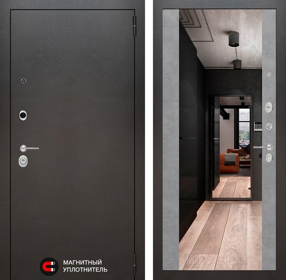 Входная дверь Лабиринт Сильвер с зеркалом Максимум (Антик темное серебро / Бетон светлый)