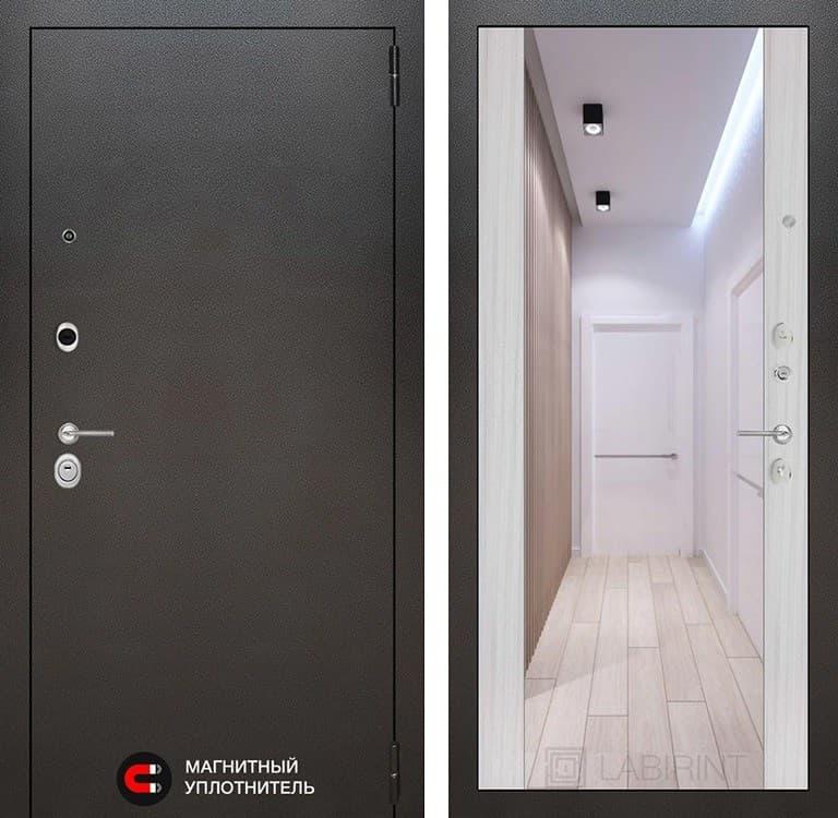 Входная дверь Лабиринт Сильвер с зеркалом Максимум (Антик темное серебро / Сандал белый)