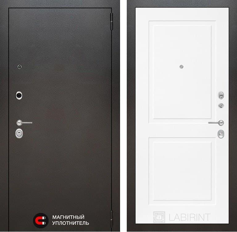 Входная металлическая дверь Лабиринт Сильвер 11 (Антик темное серебро / Белый софт)