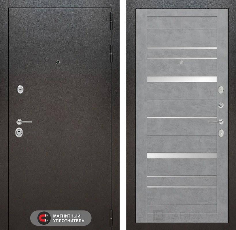Входная металлическая дверь Лабиринт Сильвер 20 (Антик темное серебро / Бетон светлый)