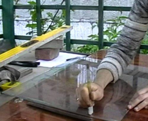 Как нарезать стекло стеклорезом